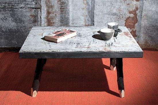 Bild på Soffbord med galvad takplåt